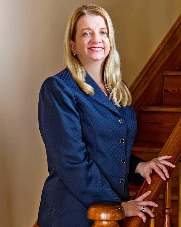 Marian B. Rush, Gainesville, Florida, Personal Injury, Auto Accidents & Commercial Law Attorney.